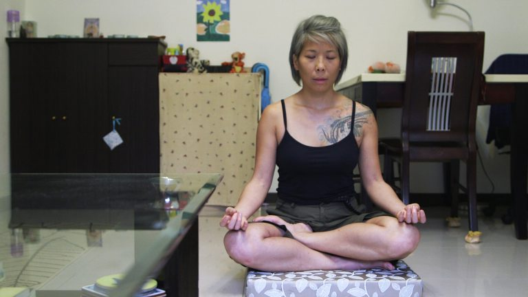 5 Habits to Minimalist Living, Declutter and an Intentional Life – Video Interview with Diana Lee